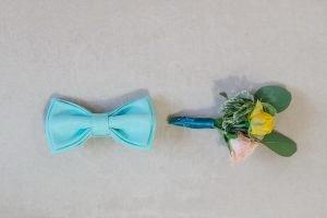 Бабочка и бутоньерка жениха