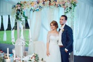 Фото свадеб в усадьбе Валуево декор шатра