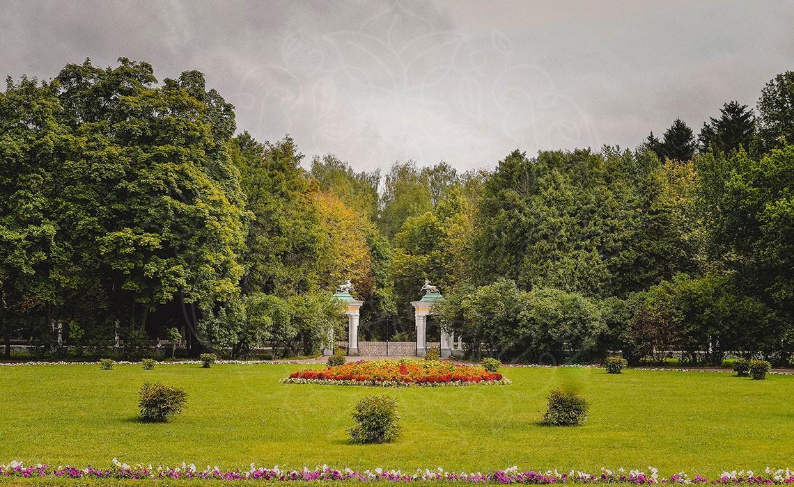 Главные ворота усадбы Валуево